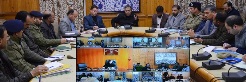 Provide essential commodities to Pandit Community areas on priority basis: Div Com to DCs
