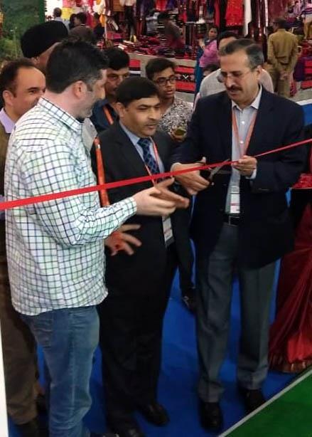 Jk Showcases Handicraft Handloom Products At India International